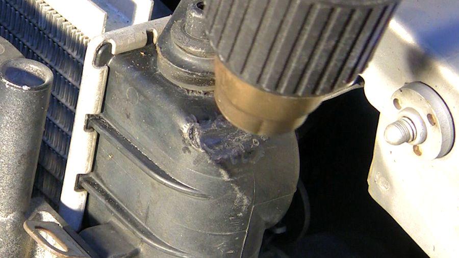 repair plastic radiator side tank